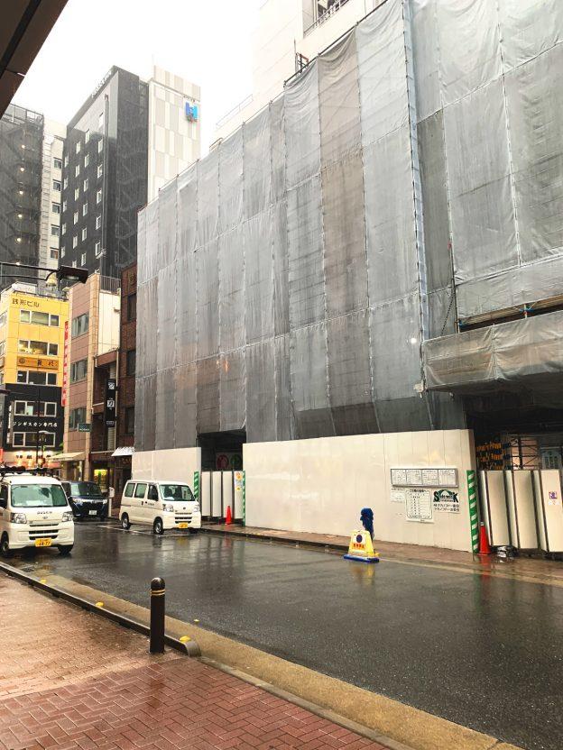 東京都中央区銀座/新橋駅徒歩5分・銀座駅徒歩6分、銀座8丁目の12階建て新築マンション内低層階テナント