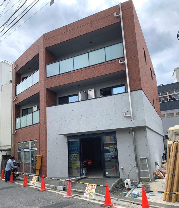 東京都杉並区永福/京王井の頭線・永福町駅北口から徒歩2分、井の頭通りからも50mほどの場所に位置する新築1階テナント
