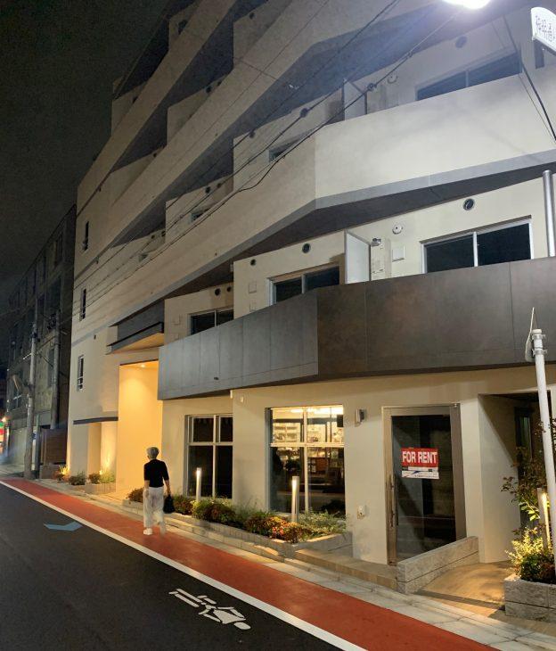 東京都杉並区西荻南/JR中央線・西荻窪駅南口から徒歩8分、神明通りに面した視認性の良い新築1階テナント